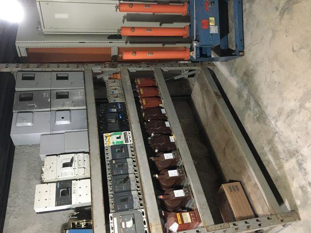 Disjuntores caixa moldada