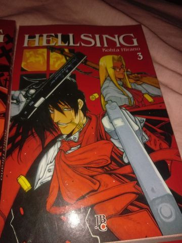 Mangá Hellsing do volume 1 ao 5 - Foto 4