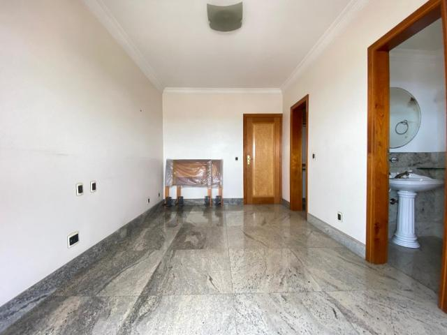 Ed. Atlantis - 250 m² - 3 suítes + gabinete - Foto 18