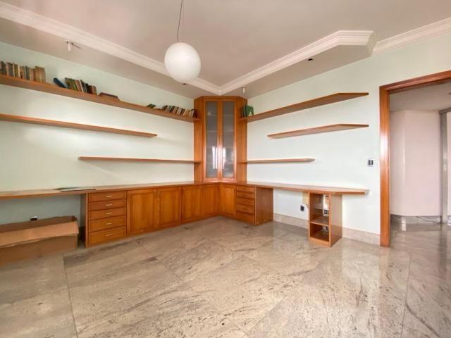 Ed. Atlantis - 250 m² - 3 suítes + gabinete - Foto 16