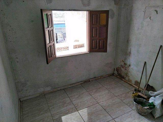 Casa antiga 1° andar em Itapuã, frente de rua 2/4 R$115.000,00 - Foto 14