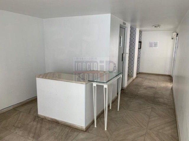 [A31423] Apartamento com Sala Ampla, 3 Quartos sendo 1 Suíte. Em Boa Viagem !! - Foto 2