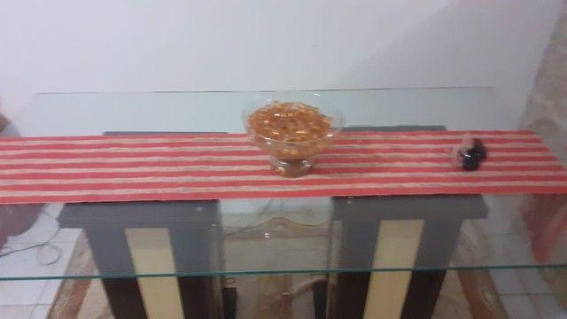 Mesa com tampa de vidro em perfeito estado, preço baixo - Foto 3
