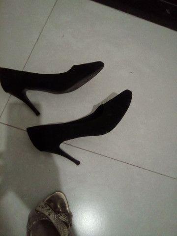 Sapatos femininos a venda - Foto 2