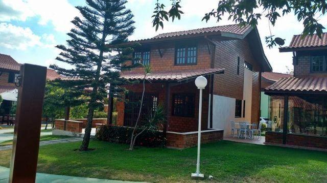 Casa em Condomínio Ref.J06