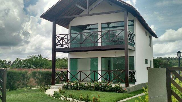Casa nova com 4 quartos sendo 3 suítes - Agende sua visita