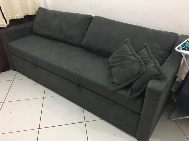 Sofá 3 lugares que vira sofá-cama