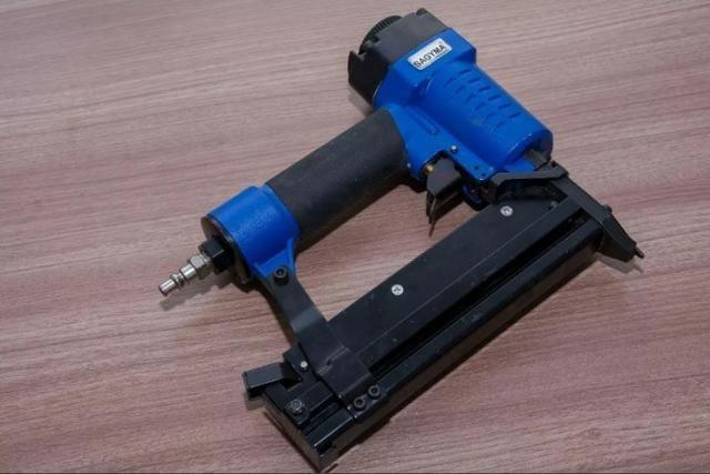 Kit Grampeador 80w Tg + Pinador/grampeador - Seminovos - Foto 4