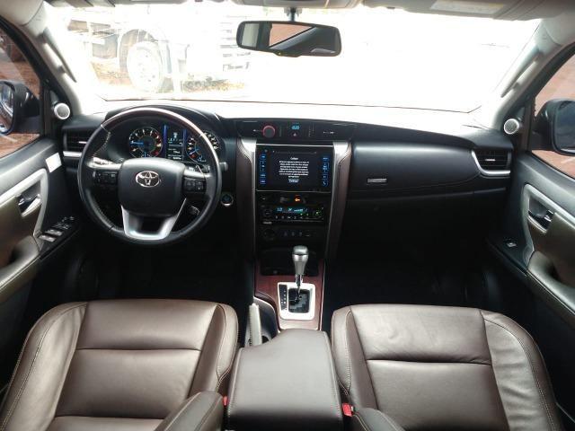 Toyota SW4 SRV 4X4 7 Lugares - Foto 5