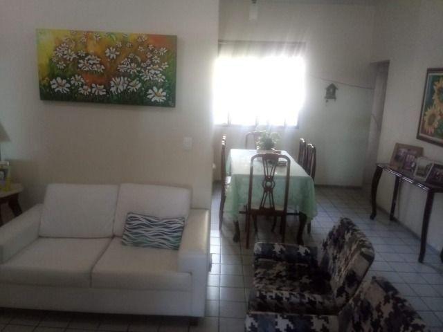 Casa espaçosa e mobiliada em Capim Macio com 3 quartos - Foto 4