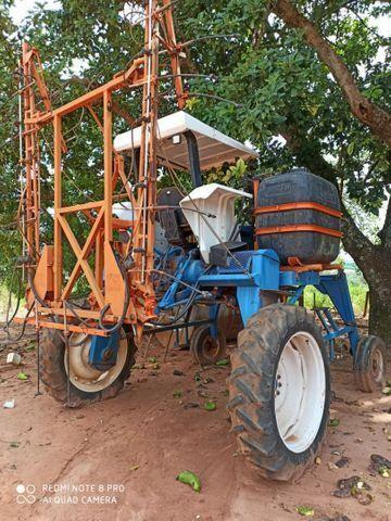 Trator Ford 5030 com barras para pulverizar  - Foto 3