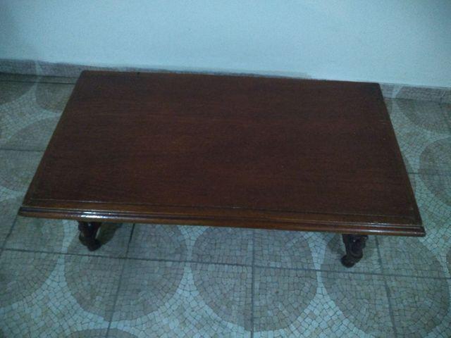 Mesa de centro,em madeira para sala