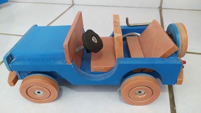 Brinquedos em PVC (CARROS) - Foto 3