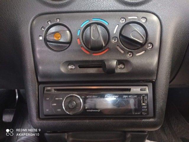 Celta 1.0 Gasolina 2 Portas 2003 /2003 Vermelha Veja !! - Foto 5