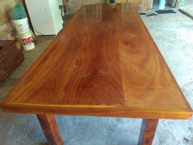 Vendo mesa de madeira maciça  Angelin pedra