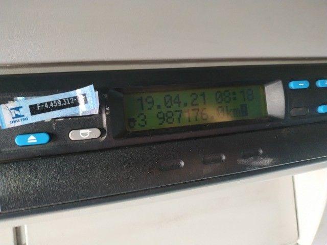 Iveco 240E25 2011. Baú de 10.50 - Foto 3