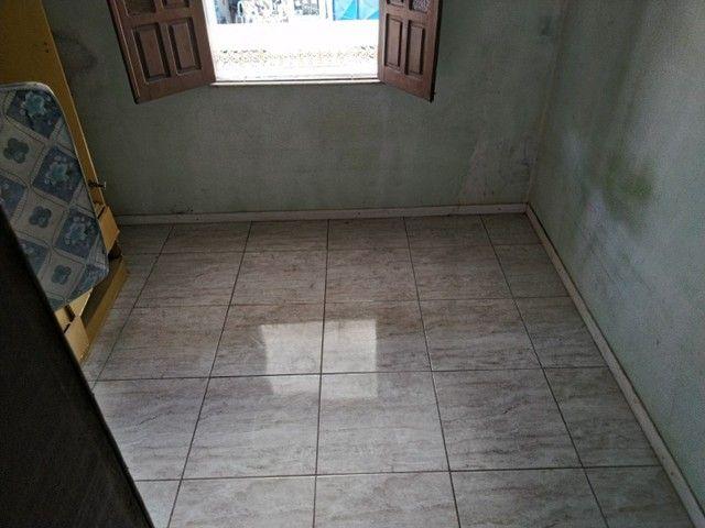 Casa antiga 1° andar em Itapuã, frente de rua 2/4 R$115.000,00 - Foto 7