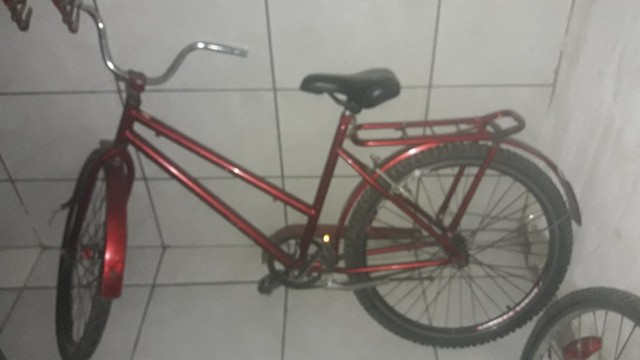 Bicicleta vendo ou troco por celula a20 j4  - Foto 2