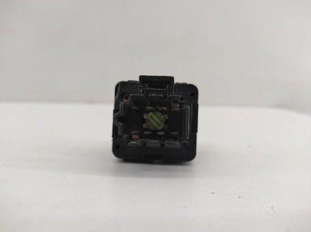 Botão de Vidro Elétrico Dianteiro Direito Corsa 1997/2012 - Foto 4