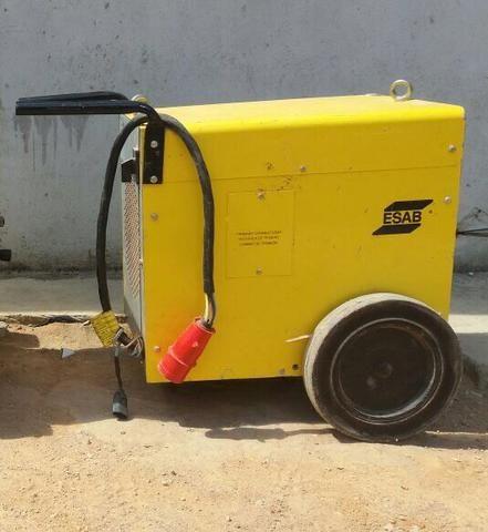 Vendo máquina de solda ESAB ARC 420