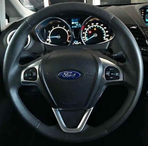 Ford Fiesta Titanium 1.6 . Prata. 2013/2014 - Foto 9