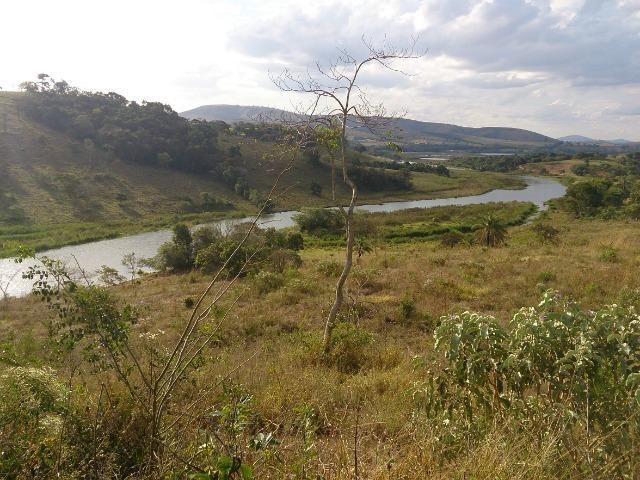 Terreno de 2000 m² às margens do Lago do Funil