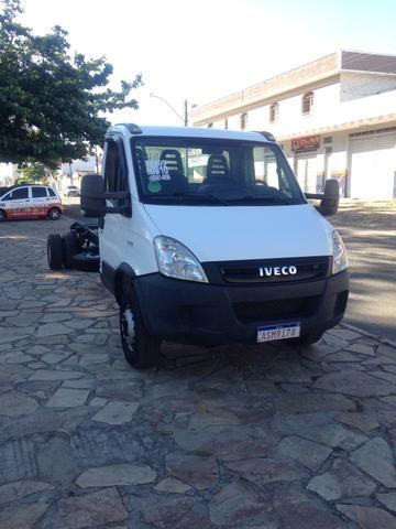 Caminhão Iveco - Foto 2
