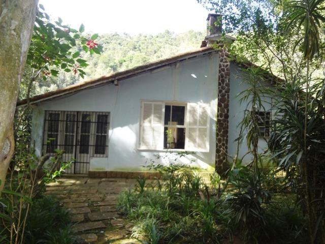 Casa 02 quartos Araras Petrópolis/RJ