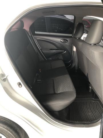 Etios X Sedan 1.5 2015/2016 - Foto 12