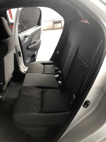 Etios X Sedan 1.5 2015/2016 - Foto 13