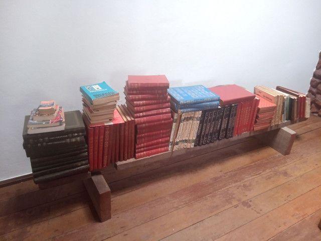 Vendo dezenas de livros antigos - Foto 3
