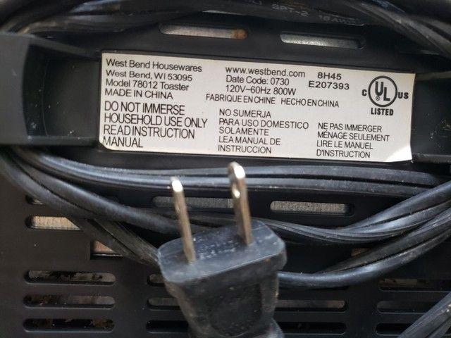 Torradeira portátil West Bend (importada) 110V - Foto 4