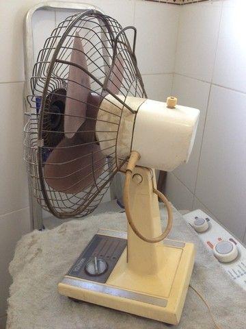 Ventilador antigo funcionando... - Foto 2