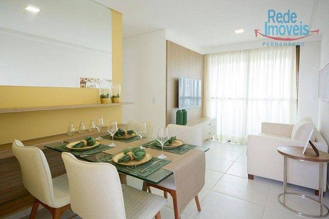 Apartamento com 2 dormitórios à venda, 52 m² por R$ 460.000,00 - Aflitos - Recife/PE