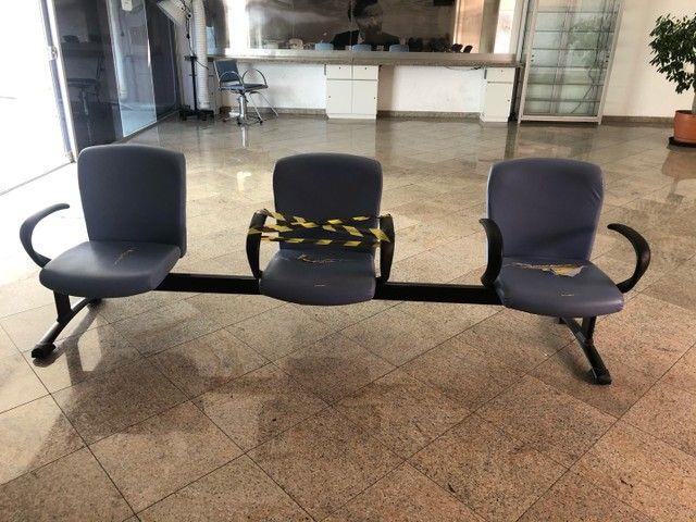 Cadeira longarina para estabelecimento comercial - Foto 3
