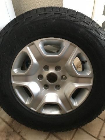 Pneu pirelli 265 65 17 com roda original Ranger XL