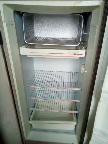 Geladeira com frezzer ,entrega gratuita em Suzano