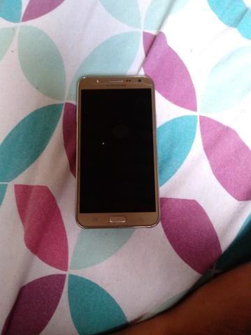 Celular Galaxy J7.