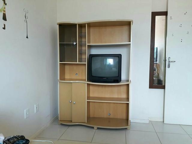 Vendo armário e tv