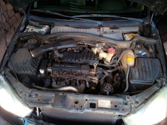 Corsa Hatch 4 portas 1.4 flex negro - Foto 3