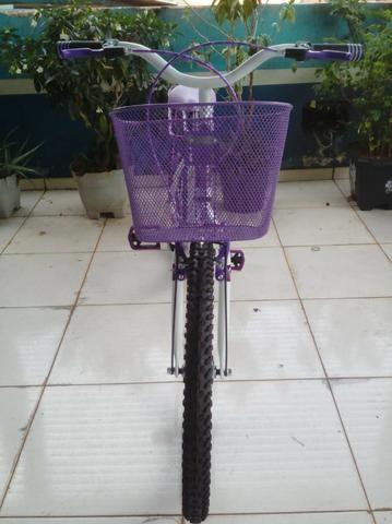 Bicicleta Aro 24 Feminina c/ Bagageiro, Branco c/ Violeta - Foto 6