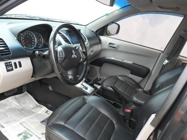 Mitsubishi L200 Triton Hpe 3.2 CD tb Int.Diesel Aut- - Foto 10