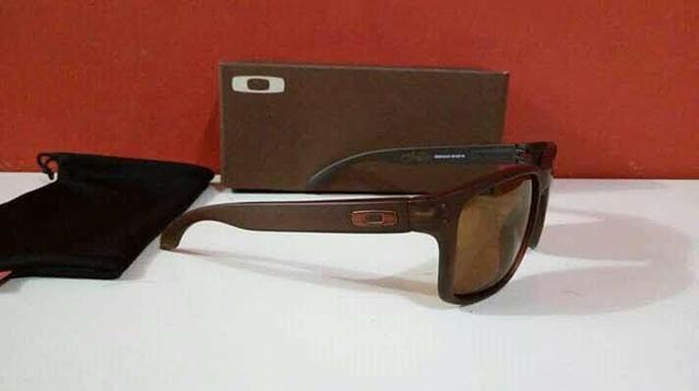4b06702d9249e Óculos Oakley Holbrook Marrom Polarizado Novo Frete Grátis Sp ...