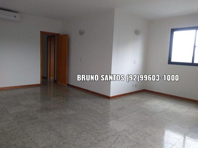 Maison Noblesse, 162m², Quatro dormitórios. Próx ao Adrianópolis. Av Darcy Vargas.