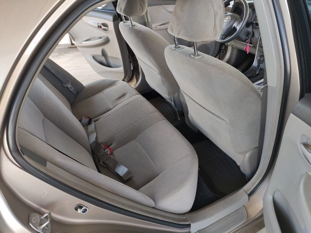 Corola  1.6 Automático  2009  ótima conservação  - Foto 4