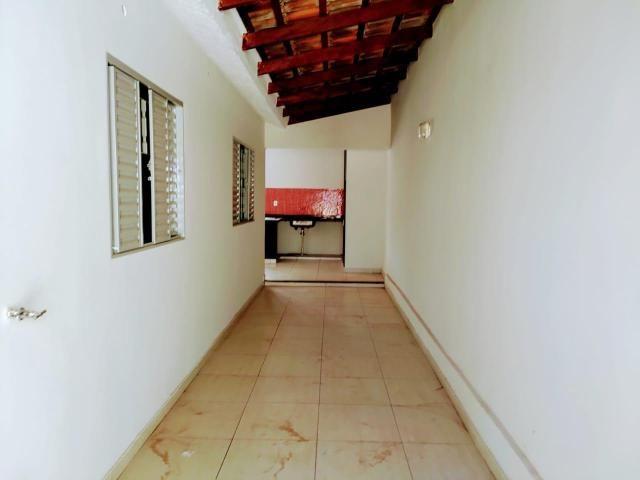 ÓTIMA OPORTUINIDADE - Casa de 3 quartos, Churrasqueira e piscina - AGENDE SUA VISITA. - Foto 2