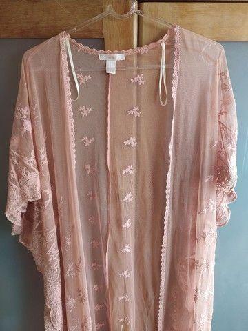 kimono rosê rendado Forever 21