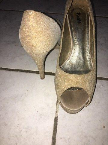 Sapatos dourado - Foto 4
