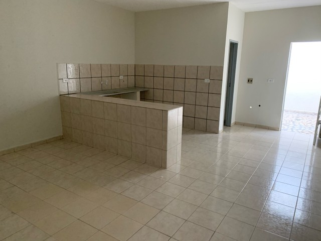 Alugo casa na Avenida Ailton Gomes - Bairro Lagoa Seca. - Foto 5