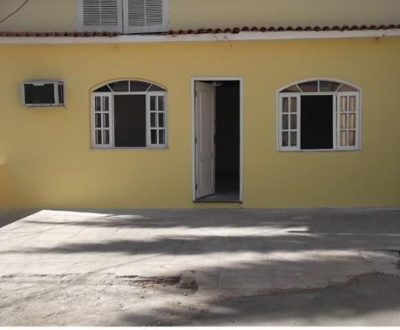 Casa com boa sala, 01 quarto, cozinha - Cocotá - Ilha do Gov